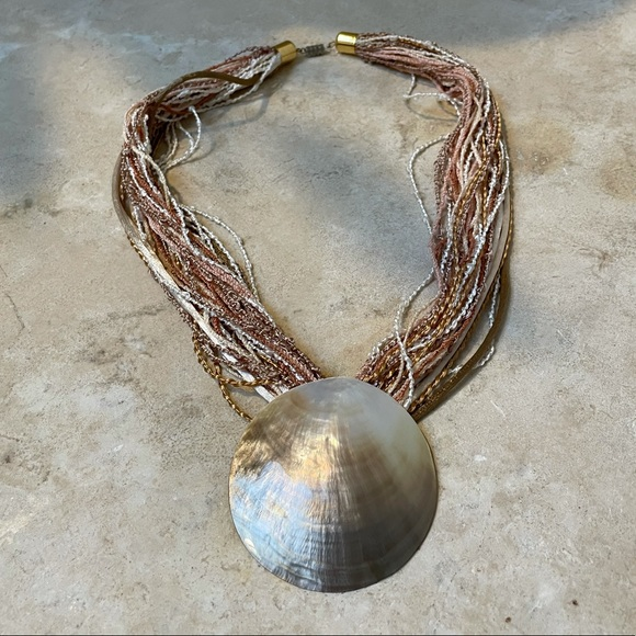 Statement Mother of Pearl shell necklace EUC